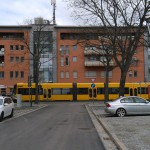 Längs- und Querparker zwischen Kesselsdorfer Straße und Schillingplatz.