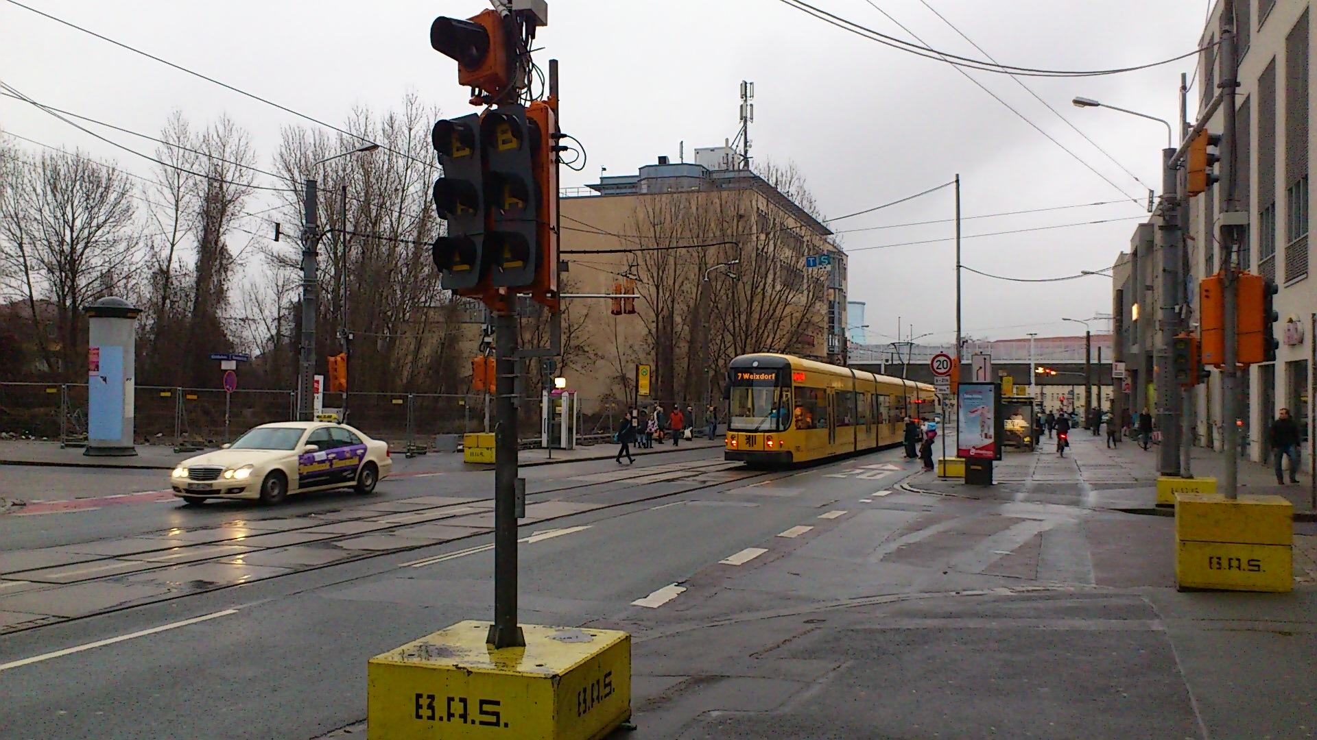 Kleine Verbesserung an der Zentralhaltestelle Kesselsdorfer Straße