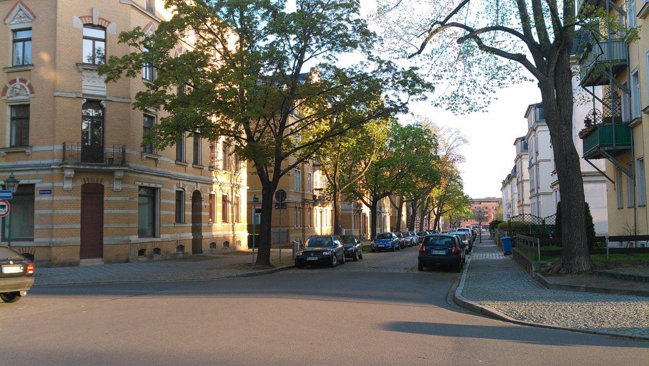 Die Poststraße wird saniert – Mehr Straße – Mehr Parkplätze – Mehr Licht – Weniger Grün