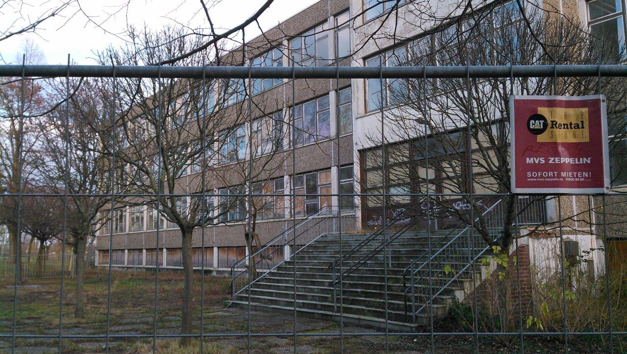 Ehemalige Schulen in der Ginsterstraße sollen Übergangswohnheim werden